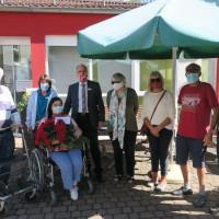 Corona macht Erstklässler zu Senioren und Pflegepersonal